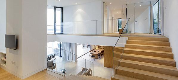 Új modern családi házak építése